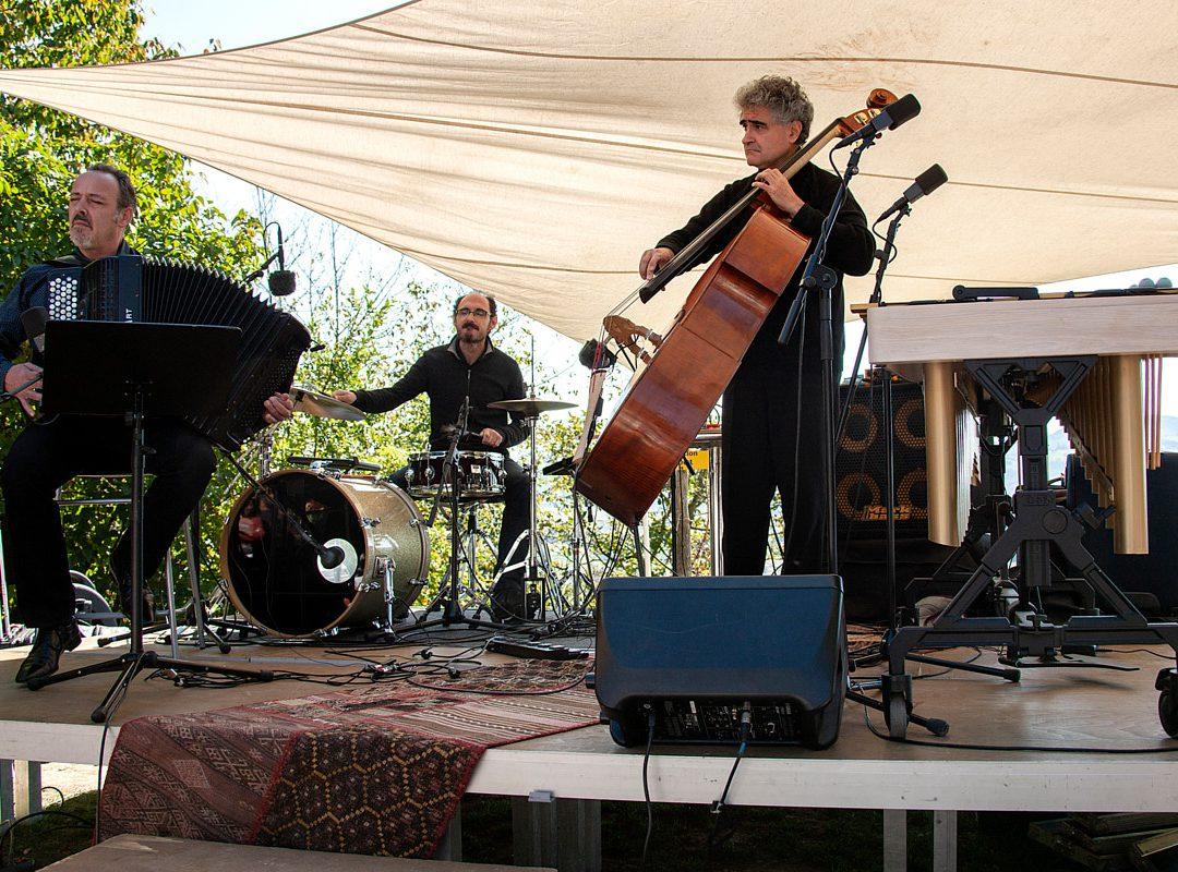 Renaud Garcia-Fons Trio – Revoir Paris (F)